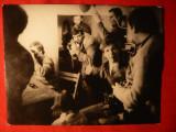 Fotografie veche ,mare ,23,8x18,2 cm -Ziaristi la lucru- Romania anii '40-'50