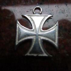 Cruce de fier veche ,pandativ marcata 925