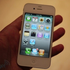 VAND iPhone 4 Apple WHITE de 16GB ! NECODAT, Alb, Neblocat