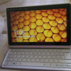 Acer iconia w700 - Tableta Acer Iconia W700, 64 Gb