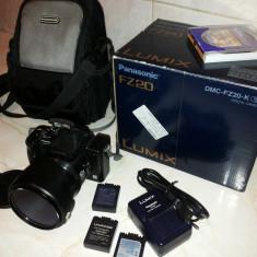 Aparat foto digital Panasonic Lumix DMC FZ-20 Fabricat in JAPONIA - Aparat Foto compact Panasonic, Bridge, 5 Mpx, 12x