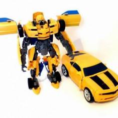 ROBOT TRANSFORMERS CE SE TRANSFORMA IN MASINA IN CATEVA CLIPE.JUCARIE SUPER. - Roboti de jucarie, Plastic, Unisex