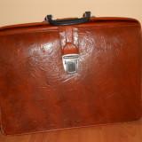 Geanta veche / Diplomat pentru acte, perioada comunista.Ghiozdan scolar vechi - Geanta vintage