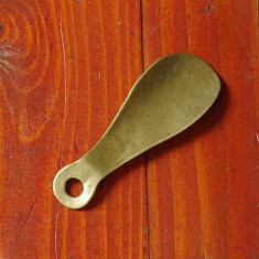 Incaltator vechi din alama - de buzunar !!! - Metal/Fonta