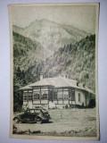 Carte postala R.P.R. - Cabana din Valea cerbului - masina de epoca, posibil Volkswagen, Circulata, Fotografie, Europa
