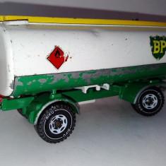 Macheta cisterna remorca SIKU - MERCEDES HEIZOL - deteriorata - Macheta auto Siku, 1:55