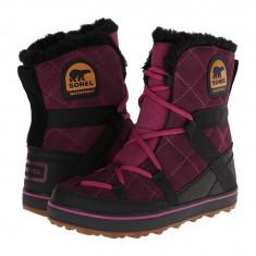Boots femei SOREL Glacy™ Explorer Shortie | 100% originali | Livrare cca 10 zile lucratoare | Aducem pe comanda orice produs din SUA - Gheata dama Sorel, Burgundy