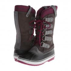 Boots femei SOREL Joan Of Arctic™ Knit | 100% originali | Livrare cca 10 zile lucratoare | Aducem pe comanda orice produs din SUA - Cizma dama Sorel, Cauciuc, Maro