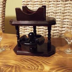 Vechi suport pahare lichior din lemn