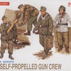 + Macheta 1/35 Dragon 6016 - German self-propelled gun crew FARA CUTIE +