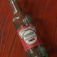 Sticla din perioada comunista - Rapsodia Romaneasca - visinata - Lichior superior - eticheta originala !!!