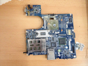 Placa de baza Toshiba satellite M70 cu placa video pe slot A16.10