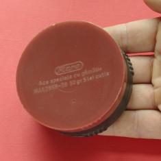 cutie rotunda din perioada comunista - FLARO - ace speciale cu gamalie !