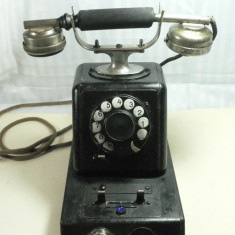 TELEFON VECHI SI MASIV- BELL TELEPHONE - CUTIE DE LEMN SI TABLA METALICA - DIMENS BAZEI 25X15 CM - INALT 30 CM - GREUT 4, 5 KG - PIESA RARA DE COLECTIE