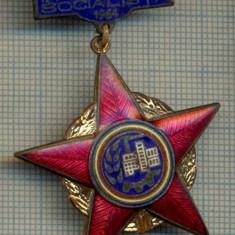 961 INSIGNA - FRUNTAS IN INTRECEREA SOCIALISTA -1964 -starea ce se vede