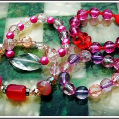 AuX: LOT format din 4 BRATARI noi pentru fete, confectionate din margele multicolore insirate pe elastic! - Bratara din margele