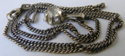 Lant si medalion vechi din argint cu piatra alba foto