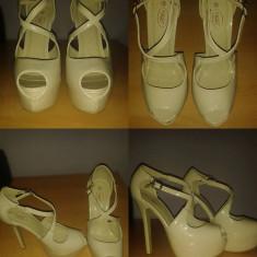 Pantofi model Louboutin - Pantof dama, Culoare: Nude, Marime: 39, Nude