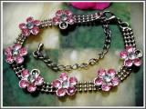 Cumpara ieftin AuX: Frumoasa BRATARA metalica de dama, decorata cu floricele, inchizatoare ajustabila pe incheietura!