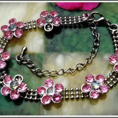AuX: Frumoasa BRATARA metalica de dama, decorata cu floricele, inchizatoare ajustabila pe incheietura! - Bratara inox, Femei