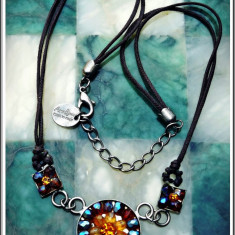 AuX: Dragut COLIER handmade, medalion - flori din margele prinse cu scur, made in Italy, marcat Anna Bijoux! - Colier fashion