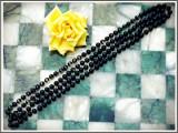 Cumpara ieftin AuX: SIRAG mare de margele vintage, se poarta dat de doua ori dupa gat, vopseaua neagra a disparut pe alocuri, fir textil, colier vechi din anii '80!