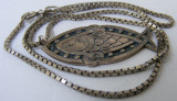 Lant vechi din argint cu medalion peste  - de colectie