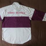 Camasa Tommy Hilfiger; marime L: 61.5 cm bust, 76 cm lungime, 64 cm maneca etc.