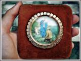Cumpara ieftin AuX: ICOANA mica / APLICA religioasa catolica de perete, marcata N.S. Guardia - aparitia Fecioarei Maria la Genova, suport de catifea, made in Italy!