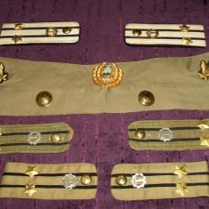 Lot efecte militare ofiter armata RSR epoleti, petlite, insemn, nasturi, cravata