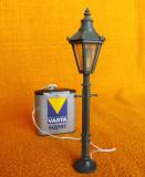 Lampadar functional cu baterie