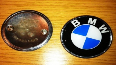 Emblema logo sigla capota portbagaj BMW 82 mm semn foto
