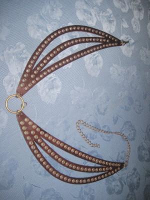 Superba Curea de brau decorativa pentru dama din piele, tinte din metal si alama. foto
