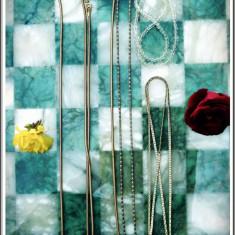 AuX: LOT format din 4 LANTISOARE vintage de dama confectionate din alama, inox, si margele, cel lung se da de doua ori dupa gat, deschis are 125 cm! - Lantisor inox