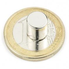Magnet neodim disc, diametru 8 mm, putere 2, 5 kg
