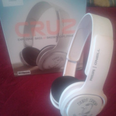 Casti Philips O'Neill SHO3305STKR de tip Dj, Casti On Ear, Cu fir, Mufa 3, 5mm, Active Noise Cancelling