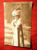 Ilustrata - Femeie cu capa si caciula de blana ,inc.sec.XX ,semnata Masel , Franta