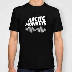 Tricou Arctic Monkeys AM 2013 - Tricou barbati, Marime: S, M, L, XL, XXL, Culoare: Alb, Negru, Rosu, Maneca scurta, Bumbac