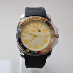 Ceas VAPO curea silicon cadran alb scris galben - Ceas unisex