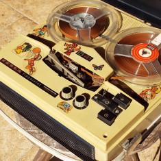 Magnetofon vintage TESLA B41, 0-40 W
