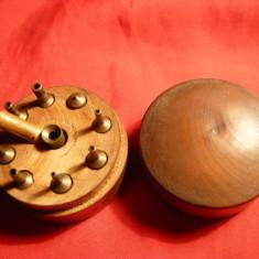 Cutie de lemn cu Mandrine pt.strung f.mic, sf. sec. XIX