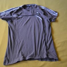 Tricou ADIDAS marimea M - Tricou barbati Adidas, Marime: M, Culoare: Gri, Maneca scurta, Bumbac
