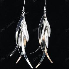 Cercei Fashion Placati cu Argint  Avand Forma unor Frunze Lungi si Deosebiti