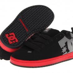 Pantofi sport barbati 293 DC Court Graffik   100% originali   Livrare cca 10 zile lucratoare   Aducem pe comanda orice produs din SUA - Adidasi barbati Dc Shoes