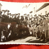 Fotografie- Grup Militari pe o strada din Resita 1935 - Fotografie veche