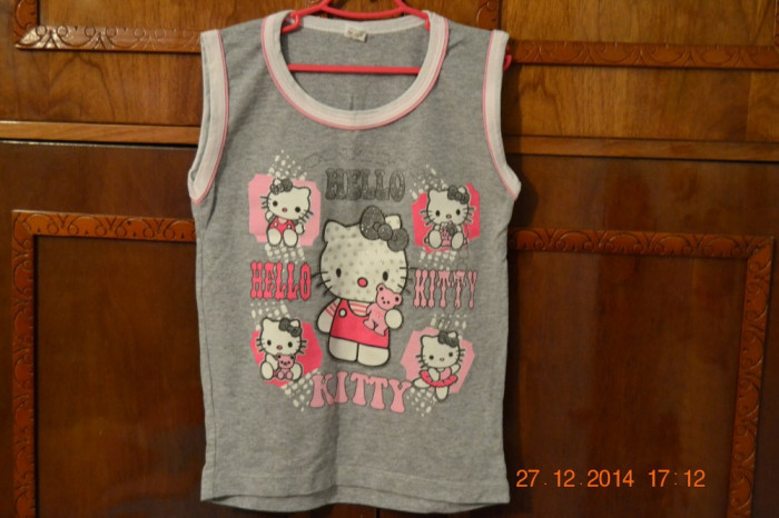 Costumas Hello Kitty gri foto mare