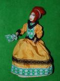 DD - Jucarie decor femeie in costum epoca (opera), hand-made, deosebita, 29 cm