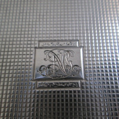 Tabachera veche de argint masiv, gravata manual, gravura manuala, monograma