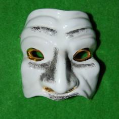 masca ceramica tip Venezia, alb cu auriu  si negru, 9x9 cm, de agatat pe perete