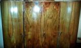 Vand mobila Vintage din lemn masiv nuc, an1930 stare buna, reconditionata 2010.